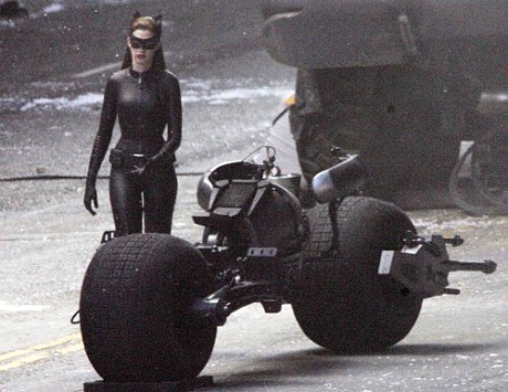 halle berry s hairstyle in movie catwoman